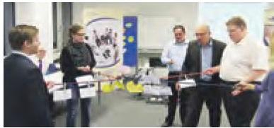 Wirtschaftsjunioren Bamberg bei einer Live-Demo des comforming mit Dr Walter Schoger